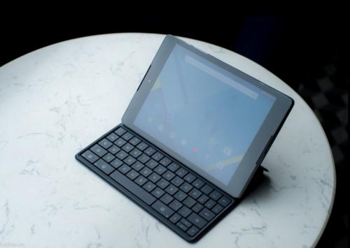 Nexus 9真机照排出 或有外接键盘外接设备