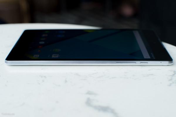 金属边框+双扬声器 Nexus 9上手图赏