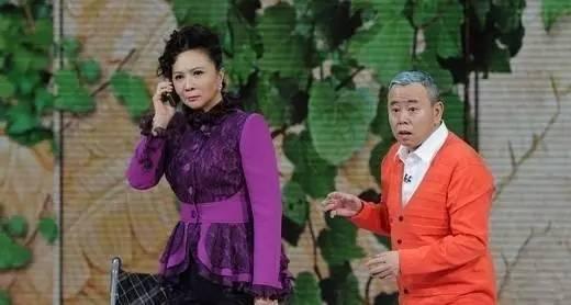 央視春晚的「時尚造型女王」我服蔡明,就算辣眼睛也自信無畏