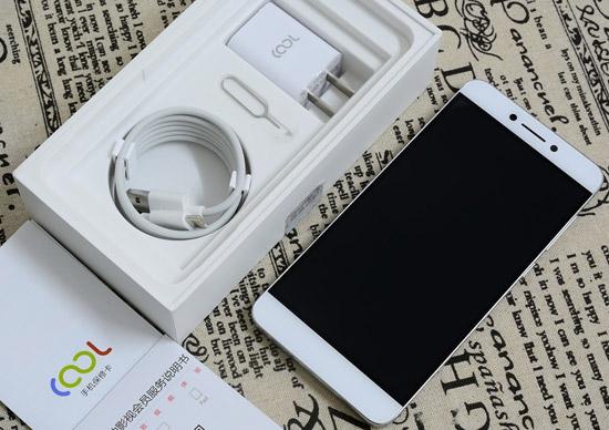"""酷派新春第一弹 三款精典手机上齐来临 确保给你的""""TA""""令人满意"""