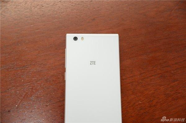 图赏:zte中兴星辰2号视频语音操纵手机上
