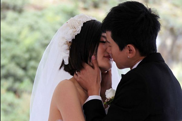 泪奔《拜托了衣橱》谢娜:坚决不和张杰离婚,结婚证都烧了