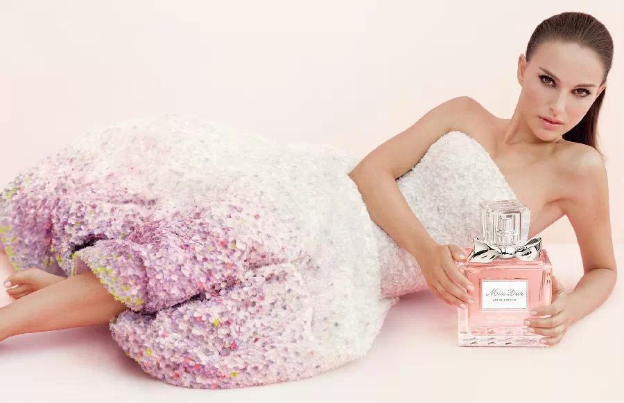 女人怎么选购适合自己的香水 专家教你:20岁-40岁的女人适合哪款香水