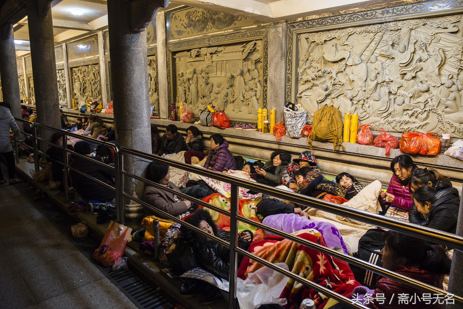 观音菩萨生日,普陀山人满为患,平时80元的房卖到1800元!