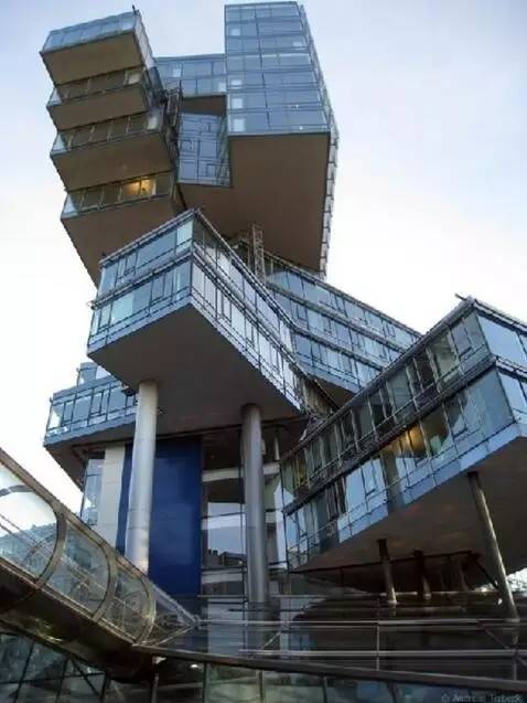 这才叫做顶级野奢!建筑师脑洞大开,15个经典建筑设计赏析