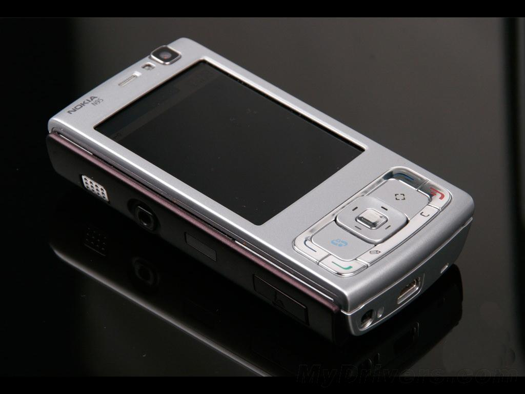 这台万余元级手机上曾是最顶尖的手机上和iphone匹敌,现如今两百元