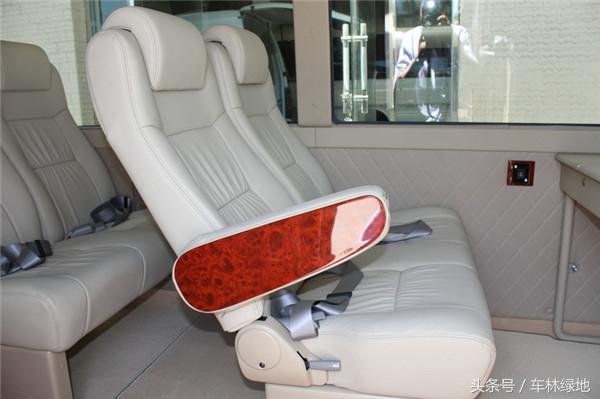 丰田考斯特17座,做一辆高级客车又有何不可