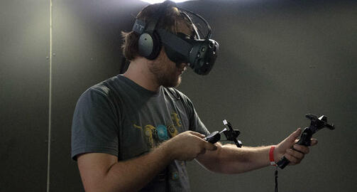 趕快的! HTC Vive VR2月29日晚23點剛開始預購