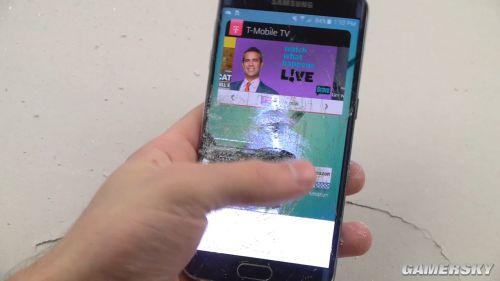三星Galaxy S6 Edge残暴检测 被锤成翔也照玩不误