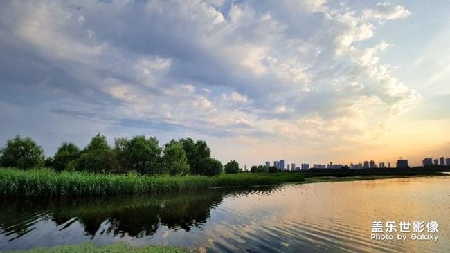 「三星手机拍攝样本」《慢生活》 哈尔滨市 现在是冰城18:00点時间