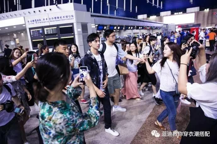 插播男明星|许魏洲&宁泽涛机场私服,时尚街拍