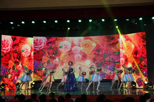 郑州市举办第四届道德模范颁奖典礼 唱响道德主旋律