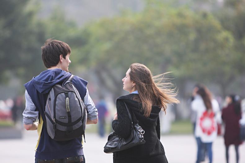 男生为什么更喜欢长头的女生?