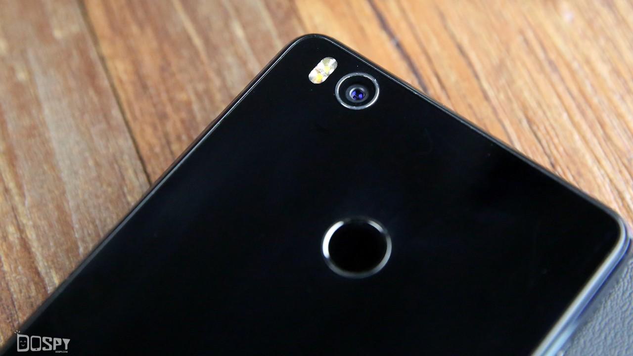 指在「周围」智在「手心」 小米手机4S 灰黑色版高清图片赏