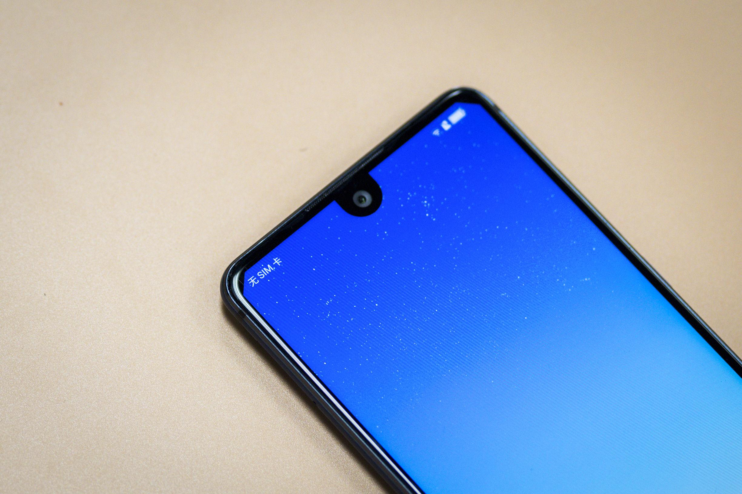 厦普重归 2499元的全屏手机 还先发了骁龙630