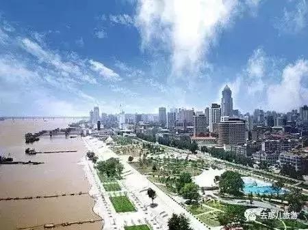 推荐武汉夜生活必游的八大景点