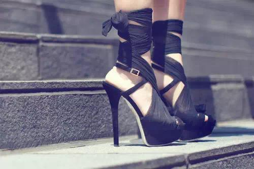 解决鞋子磨脚的12种方法,每一种都超管用!