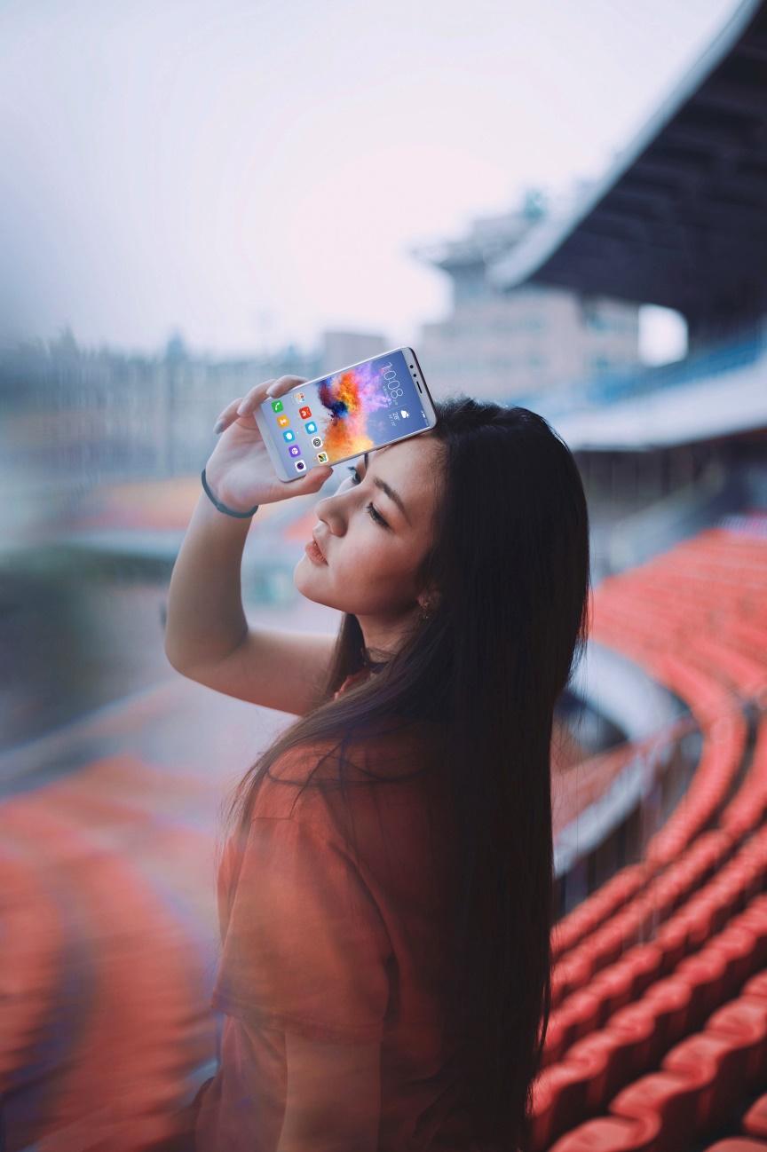 千元级全面屏手机性价比高之首 荣耀畅玩7X照相测评