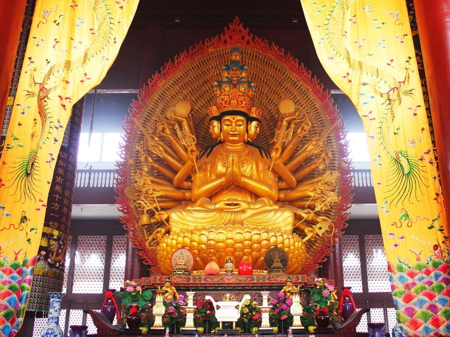 平顶山境内有三座姐妹寺院香山寺是汉化观音菩萨第一道场