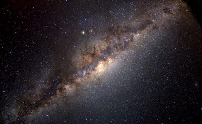 《创世纪》计划:用机器人基因工厂将生命播撒到银河系中
