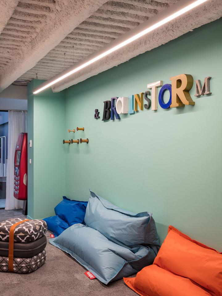 创意工厂般的会场设计 颠覆你对传统会议空间的认知