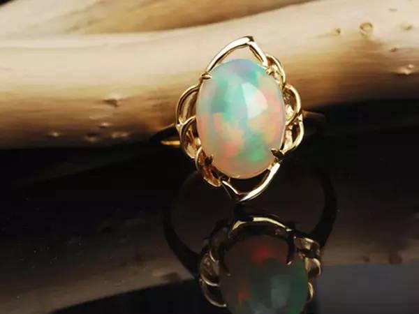 比钻石更为难得的宝石──欧珀