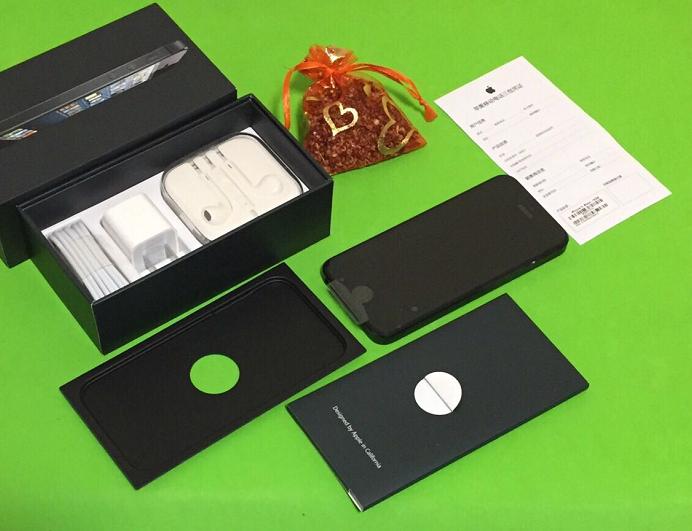 网民发布拆开未激活的全新升级iPhone5!全都好,便是价钱有点儿贵!
