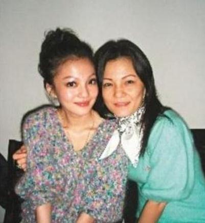 看看姜柔伊风流史,就知道张韶涵为啥与她形同陌路了