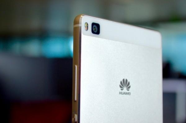 外国媒体称华为公司代工生产的新Nexus机器设备将于秋天开售