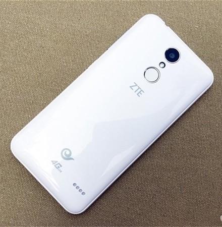 """千元手机标准配置指纹验证:中兴V5成""""领域第一人"""""""