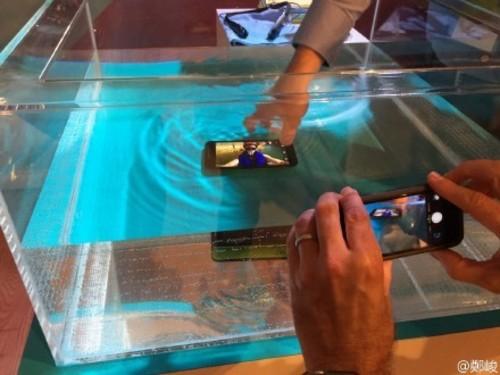 摩托罗拉手机三款新手机连破 人老心不老暴发了