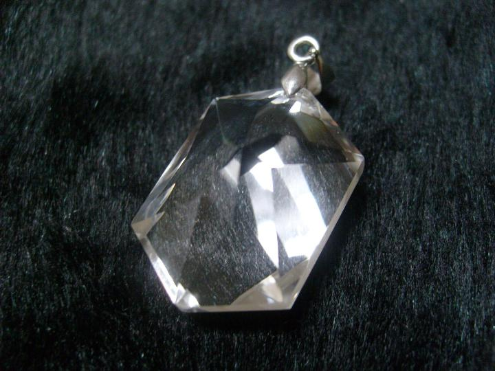 白水晶真假鉴别以及功效
