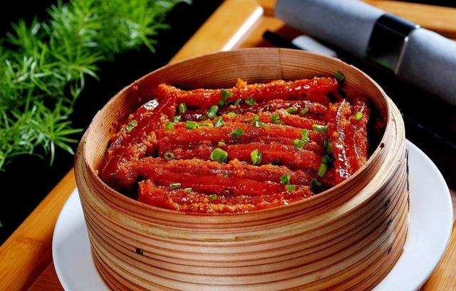蒸肉的家常做法 这样做五花肉一点都不油腻 美食做法 第3张