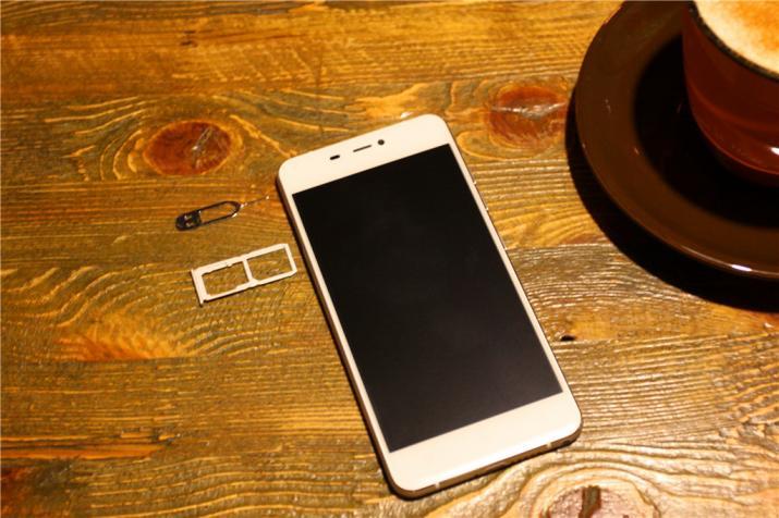│深度體驗│IUNI N1手機:純簡始終如一,文藝不忘初心