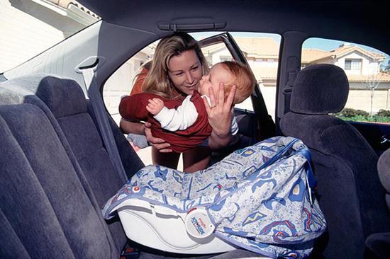 儿童安全座椅安装在什么位置最好