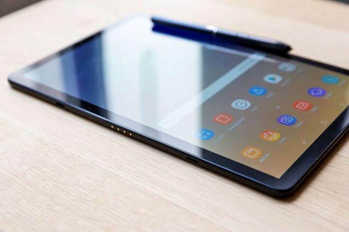 「图」三星Galaxy Tab S4评审:迈进新环节的英勇试着