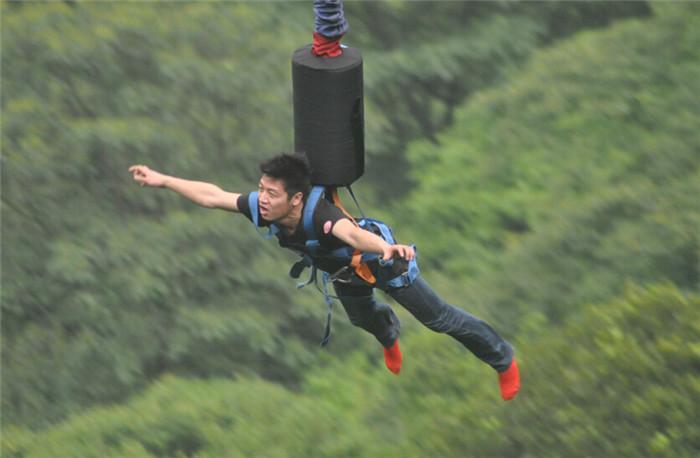 白云山蹦极多少钱(白云山蹦极安全吗)插图(5)