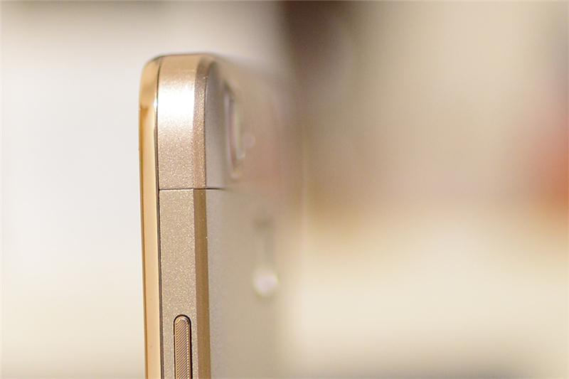 金属材料动感精灵 华为畅享5S入门评述
