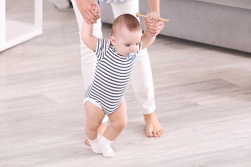 0-24月宝宝都会哪些技能,你家宝宝掌握了吗?