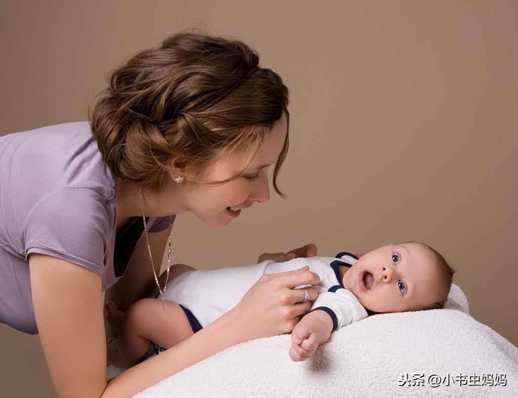 """""""一哭、二笑、三认母"""",1~3月宝宝如何养育好?要做好这些重点"""