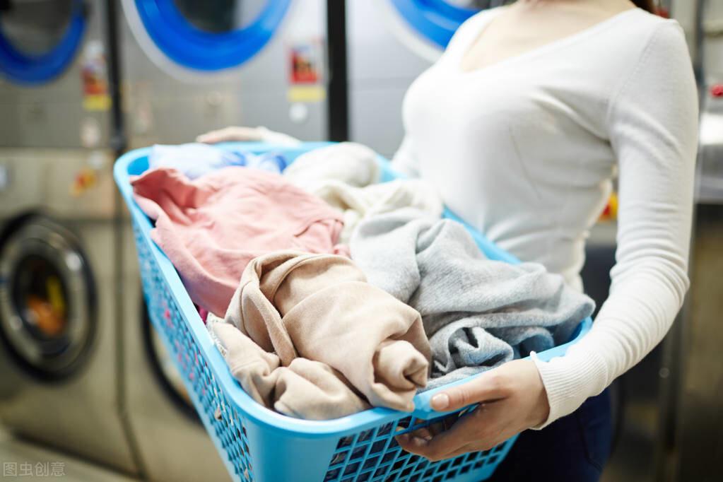干洗店一年可以赚多少钱(自己开干洗店去哪里学)
