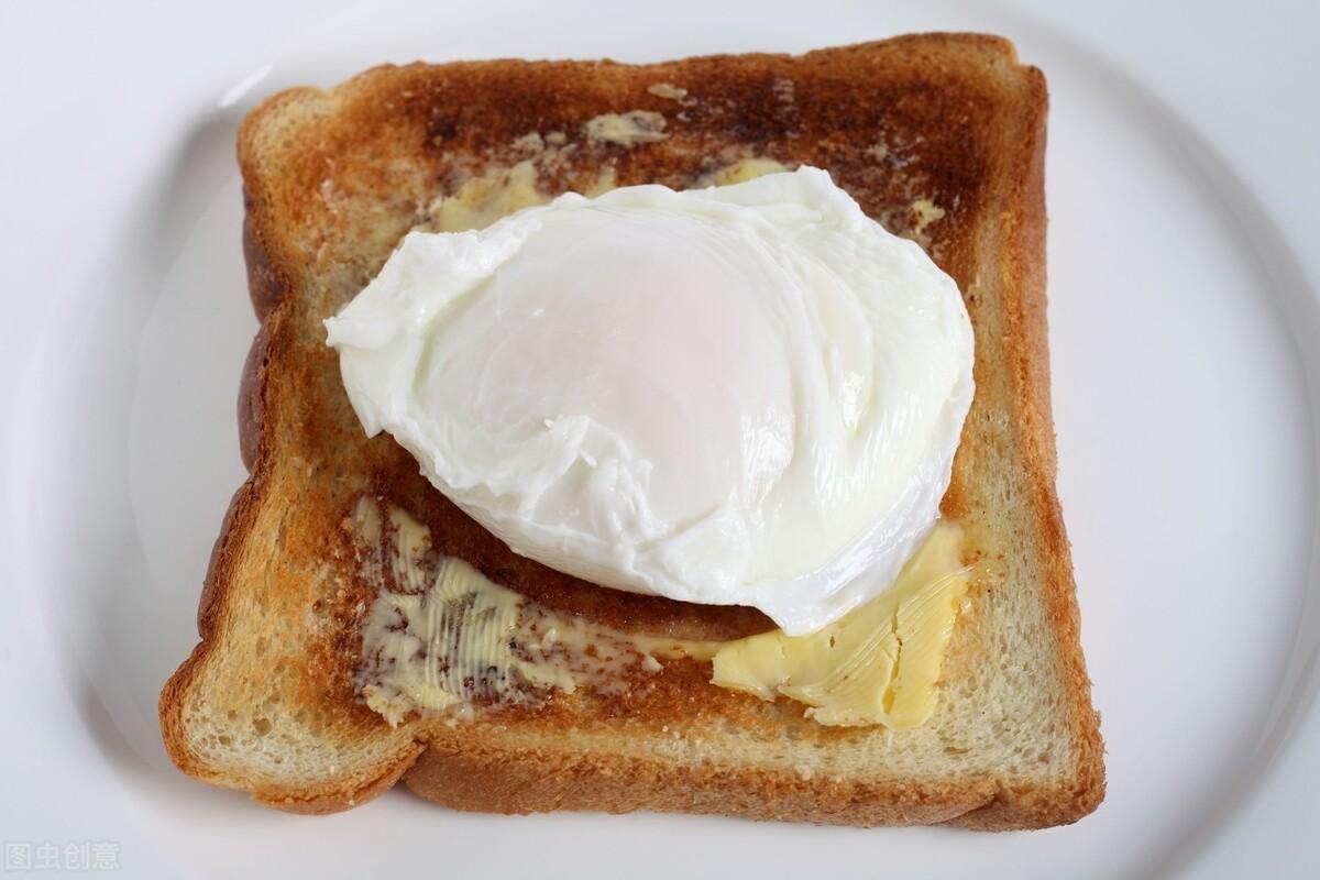 水煮荷包蛋,总是散开有白沫?牢记2个诀窍,鸡蛋圆润不粘锅 美食做法 第1张