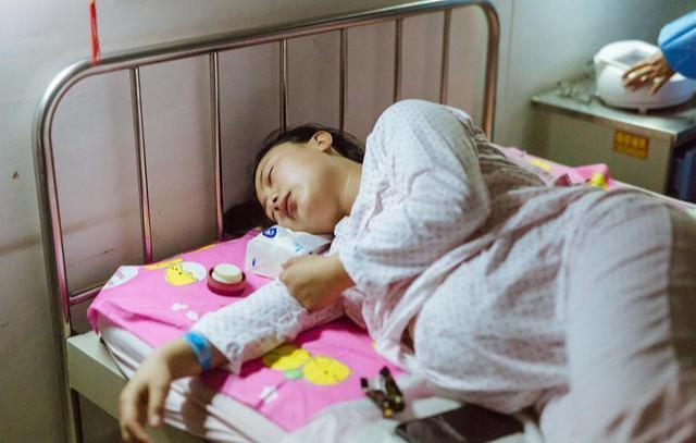 孕妇耻骨在哪个位置图,孕妇耻骨疼的正确睡姿