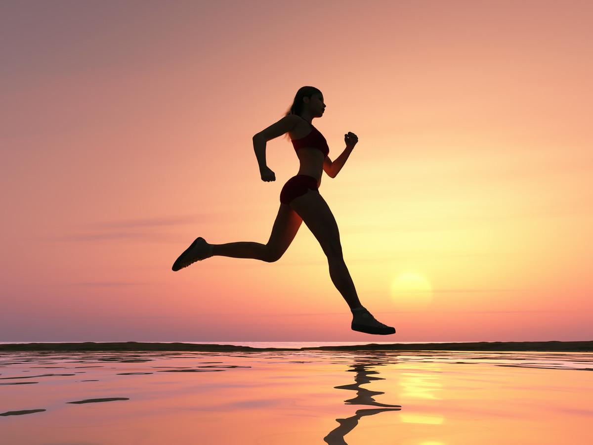 """培养好习惯的四个步骤,一步步实现你的""""身份""""逆袭,其实并不难"""