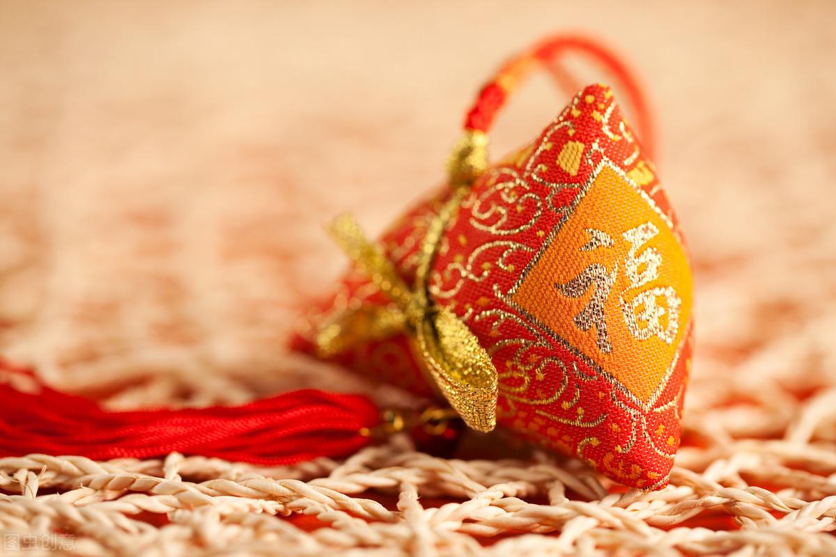 从彩索到香包,看端午节中丝帛饰品的发展演变