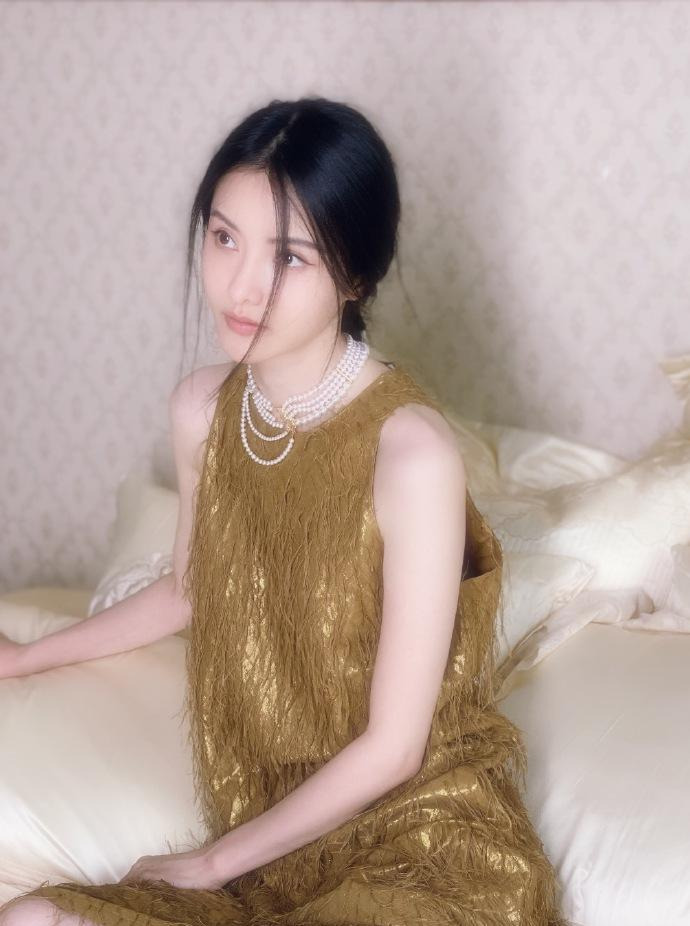 金瀚和张芷溪硬气承认恋情,二人互动甜蜜表白,相差6岁姐弟恋
