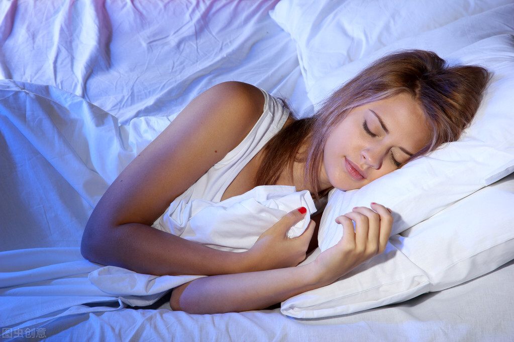 睡觉时身体突然抖一下?减少临睡肌抽跃的3个方法,请收藏