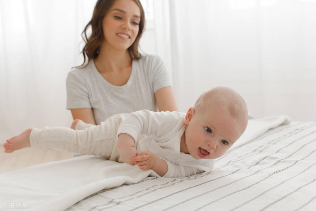 一岁内的宝宝,每个月要掌握的本领你知道吗
