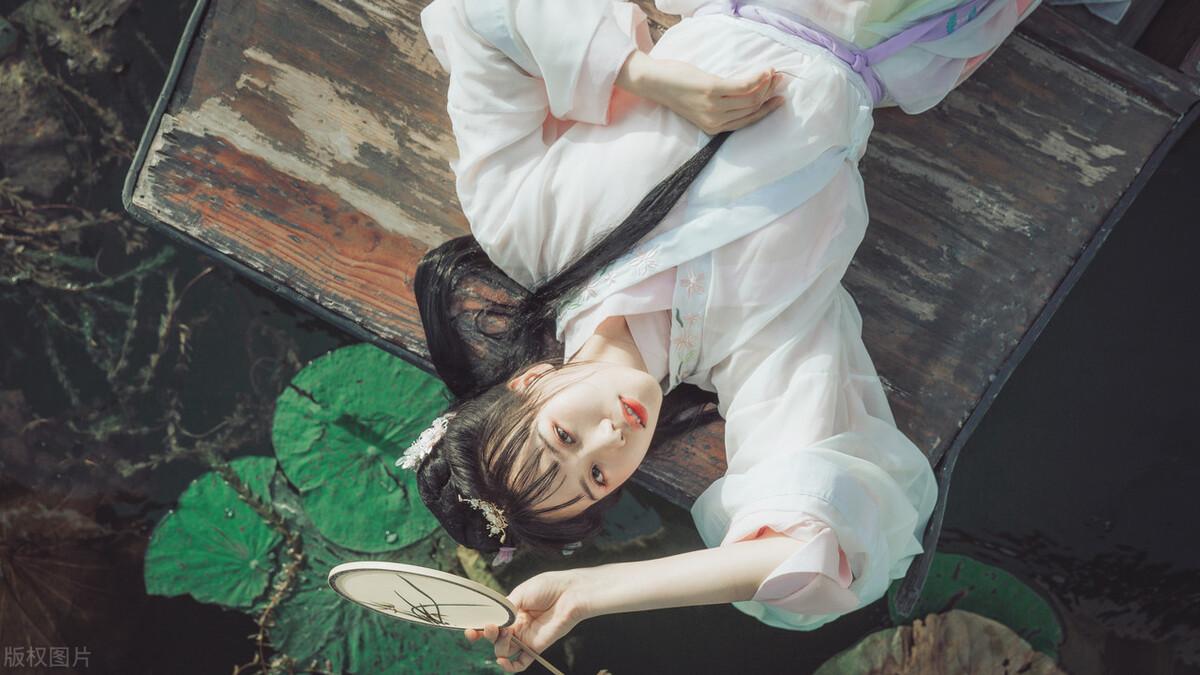 大胆的唐代春宫秘戏图:五女一男嬲戏不休
