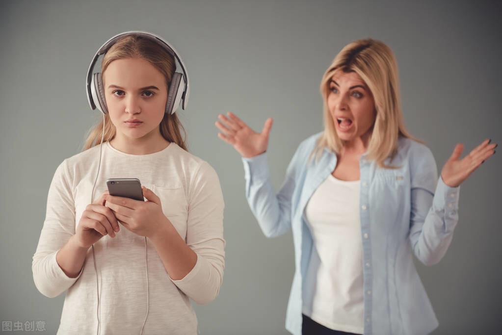 青春期孩子沉迷遊戲世界,作息紊亂怎麼辦?高情商父母這樣做